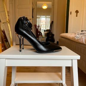 ONLY heels