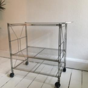 Vintage rulle-  Barbord i stål med glasplade  Vintage stål- serveringsbord på hjul m glasplade  68 høj 60 bred  40 dyb