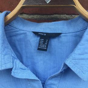 Lækker blød denimskjorte str. S fra MNG.