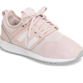 Flotte lyserøde new balance sneakers. Brugt få gange :) Nypris 650,- sælges billigt :)
