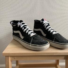 Vans Old Skool hightop Vans Sk8-HI  Cond: 6/10  Kbh V