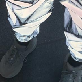 Næsten helt nye yeezy desert boot, kom med bud     -Mødes ikke