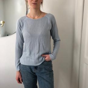 Light sweater, very good condition