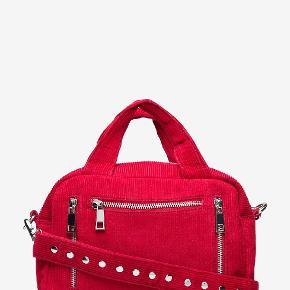Nunoo Donna taske i rød føjl sælges