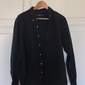 Sort Ralph Lauren skjorte i str. L. God stand!