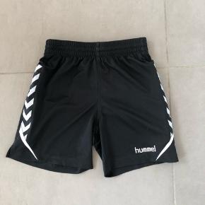 Velholdte shorts til sport. Str 140-152