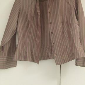 100 procent silke  Fin skjorte