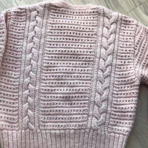 Lækker sweater ! Aldrig brugt ! 70% uld 30% acryl