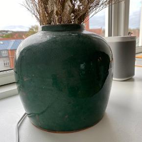 Smuk grøn vase fra Kina Købt hos By Moberg i Aalborg