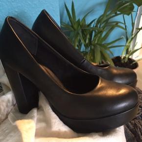 Even & Odd heels Brugt et par gange