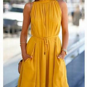 Summer dress, size Medium, never worn