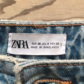Højtaljede momjeans fra Zara, ikke elastiske