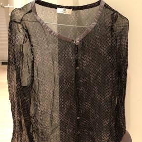 Fin gennemsigtig Day skjorte med mønster