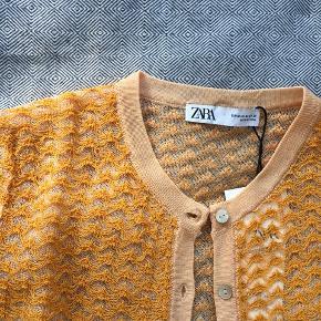 Super fin cardigan fra Zara, som aldrig er brugt.