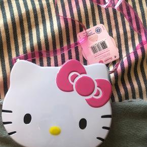 Hello Kitty crossbody-taske