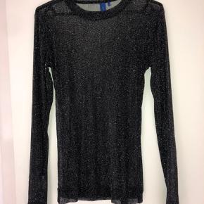 Super fin mesh bluse fra Résumé Oprindelig pris: 400 Send endelig en besked, hvis man ønsker billede med blusen på