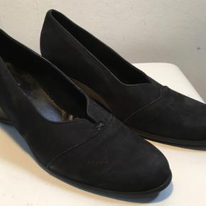 Arche heels