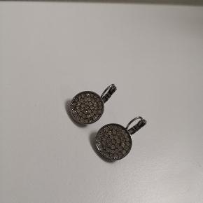 Fine sølv øreringe fra Dyrbergkern. Nyprisen er 449,-  PRISEN ER FAST
