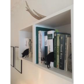 Animal index (gris) fra det japanske design-firma +d   Nypris: 1135 hos Zalando. Polyester  ❕annonce slettes når varen er solgt!  🤍 Jeg giver gratis fragt ved køb af to eller flere varer, så længe den samlede pris er på 100kr eller derover!