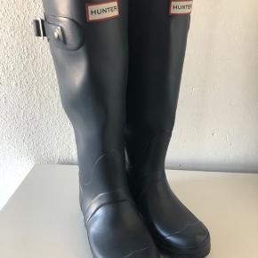 Hunter Rainboots - Women Tall EU 35/36 (men en EU 37 kan sagtens passe!)  BYD gerne.