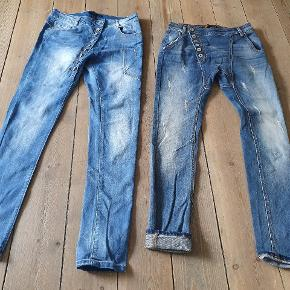 Super fede Jeans begge str 36/S Det mørke par er helt nye,99 kr Det lyse par har været på 2 gange, 79 kr
