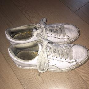Hvide Puma sneakers