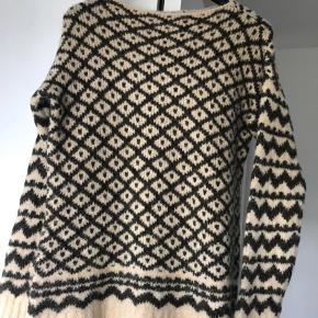 La Fée Maraboutée sweater