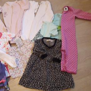 25 dele velholdt pigetøj. Bukser, kjoler, bodystockings, badebukser mv. Alt fra ikkerygerhjem. Smallstuff kjole str. 74 medfølger. Kom ikke med på første billede.