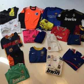 Fint fodboldtøj, rækken til venstre koster 40kr pr del/sæt, resten 80kr pr del/sæt.