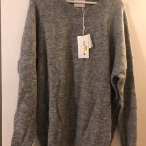 Line of Oslo sweater
