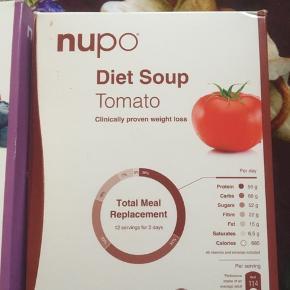 Nupo Diæt suppe med tomat, hel kasse, Blåbær/hindbær 9 stk tilbage ud af 12 og 4 stk tilbage af Mango/Vanillia. Fast pris, via Trendsales køb nu ♥️ Sælges samlet 2 kasser❣️
