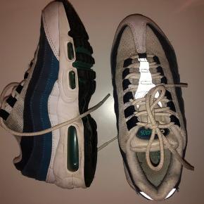 Mega fede Nike Air Max sneakers, sælger dog fordi jeg ikke får dem brugt:/