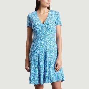 Super smuk kjole fra Samsøe Samsøe. Brugt en enkelt gang.  Købt for 800 kr