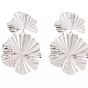 Sælger disse smukke øreringe, da de desværre ikke er mig 💕 de er aldrig brugt