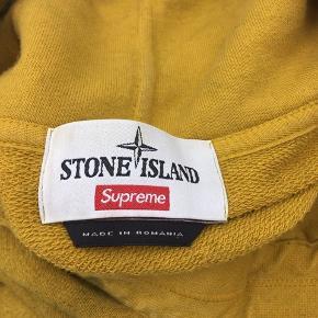 Supreme Stone Island Hoodie  Str xl 74x63cm Olive Cond 8 Har kvit