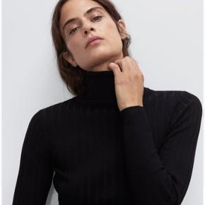 Zara turtleneck rullekrave. Har både en i str small og en i medium :)