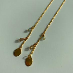 ❤️ hjemmelavet øreringe kan laves i både guld og sølv, med selvvalgte perler 200,- og halskæder 250,-   Tjek Instagram bypraestholm