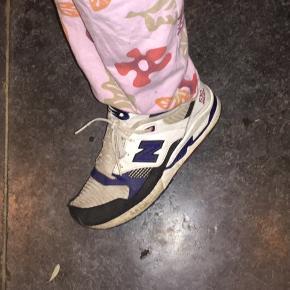 Seje NB sneakers! Slidt (se billede 3) men stadig gode! Derfor den billige pris