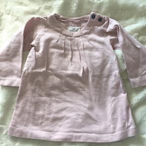 Fin kjole i rosa farve fra H&M i str 68 / 6 mdr 💓
