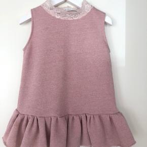 Kjole købt fra Little Heidi Paula.  Ny pris: 550kr  Brugt 2 gange.  BYD