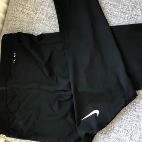 Nike pro tights, aldrig brugt. Dri-fit