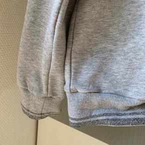 Fin hoodie. Fejler intet!
