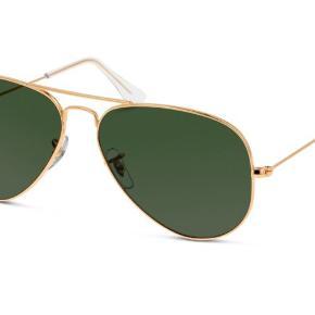 Har disse, vil dog lige se om der er interesse, inden jeg får sat solbrilleglasset i, da der lige nu er brilleglas i.  Mener modellen er Aviator og de har kostet omkring 1200 kr 😊