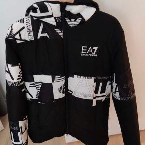 EA7 jakke