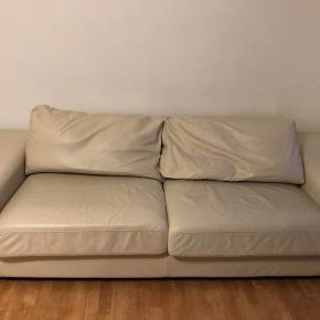 Sofaen kan hentes gratis på Gustav Weids vej i Århus. Sælges grundet flytning