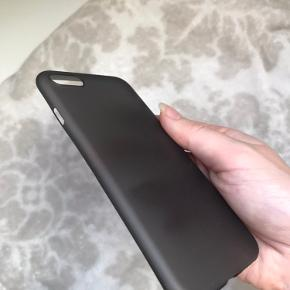 Sort ultratyndt cover til IPhone 7/8. Føles som om man ikke har cover på