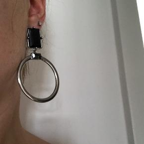 Smykke øreringe som aldrig er blevet brugt ☀️