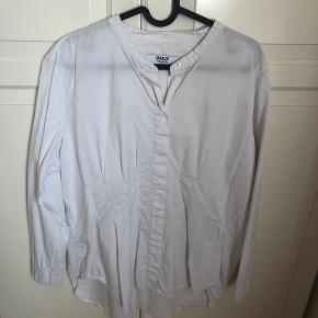 Only Carmakoma skjorte
