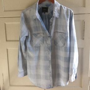 Smuk ternet skjorte i det kendte skjortemærke Rails. Brugt få gange.