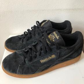 Reebok sko til salg   Mangler bare et par fødder   Nypris - 800 kr